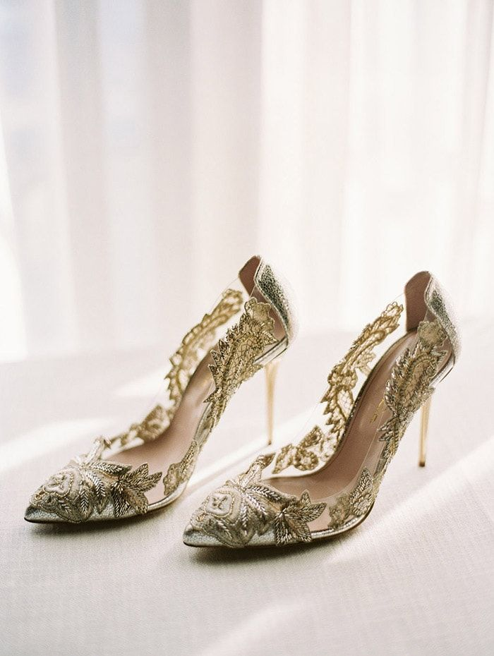 6-gold-metallic-wedding-shoes