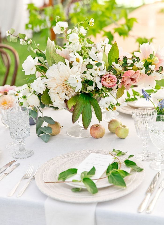 9-pink-and-white-floral-centerpiece