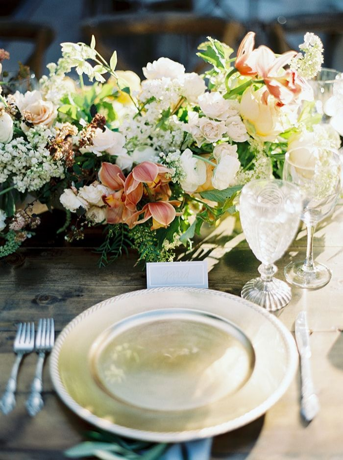 15-blush-white-tablescape