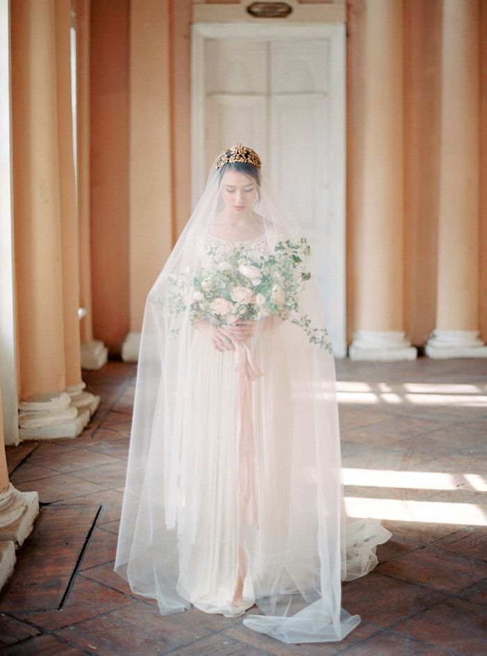 Refined Bridal Fashion Inspiration in Russia