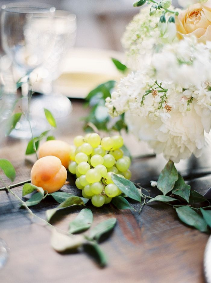 18-fresh-fruit-floral-table-arrangement