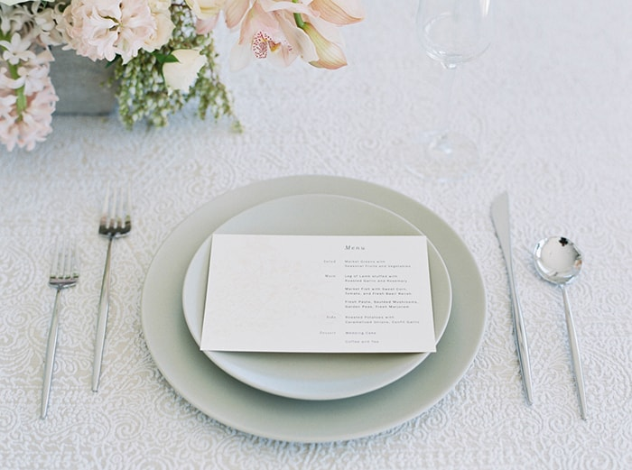 20-modern-white-silver-place-setting