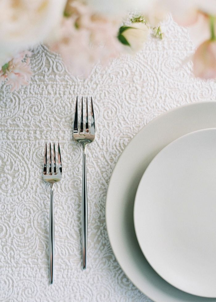 24-embroidered-table-cloth