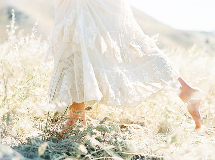 9-barefoot-bridal-portaits