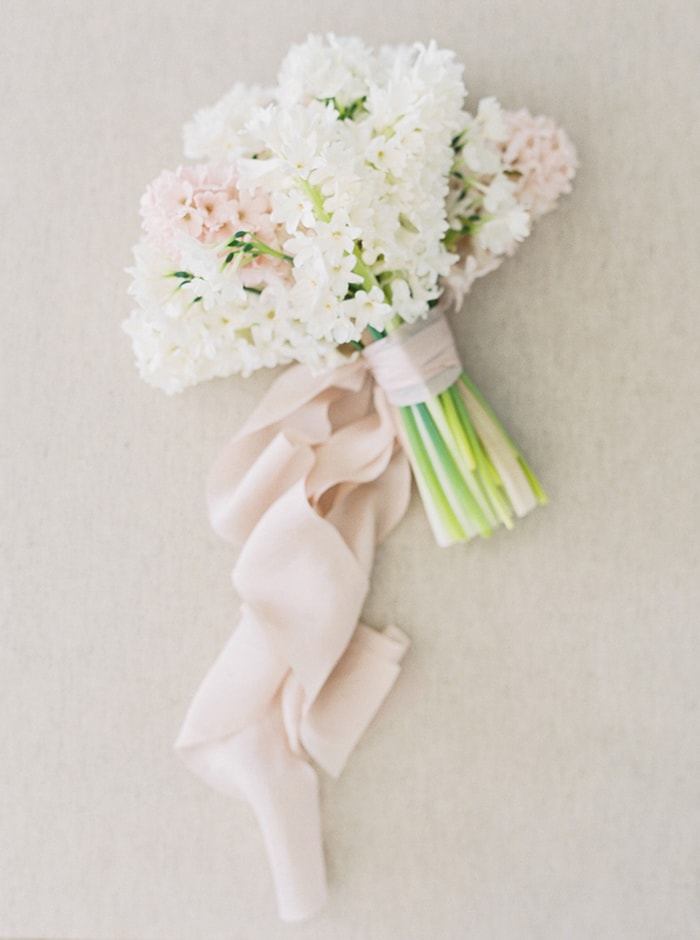 9-pink-and-white-wedding-flowers