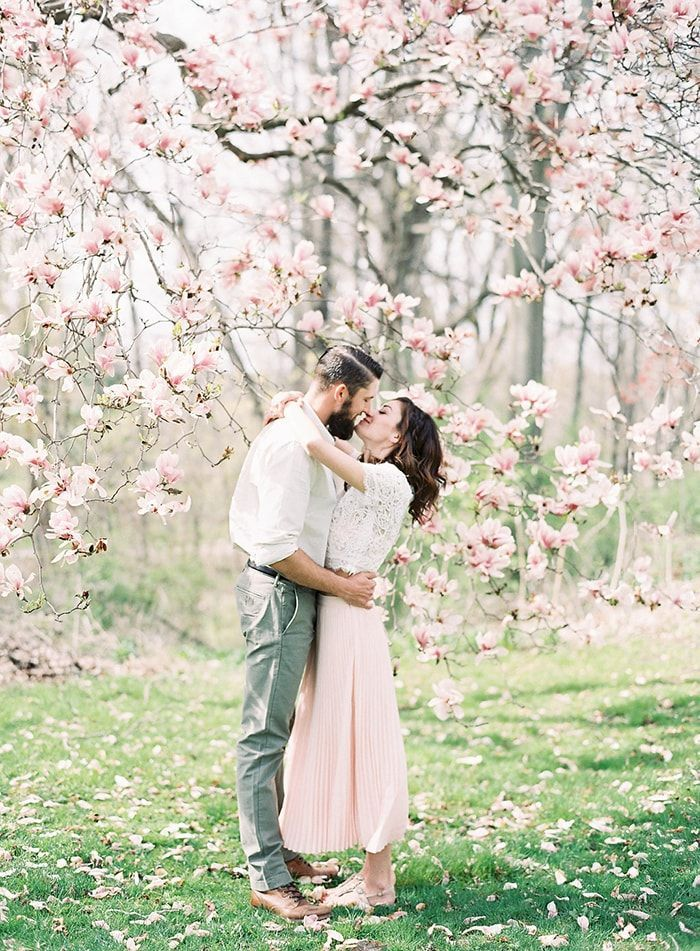 Sweet Outdoor Spring Engagement Session