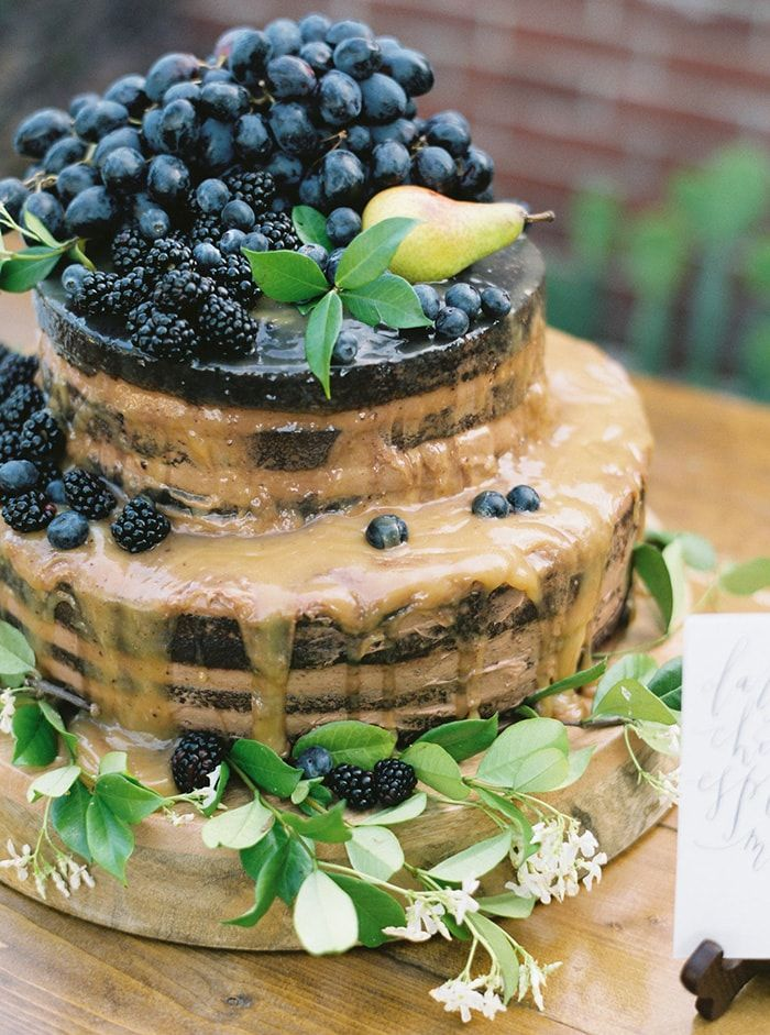 21-layered-chocolate-cake-berries