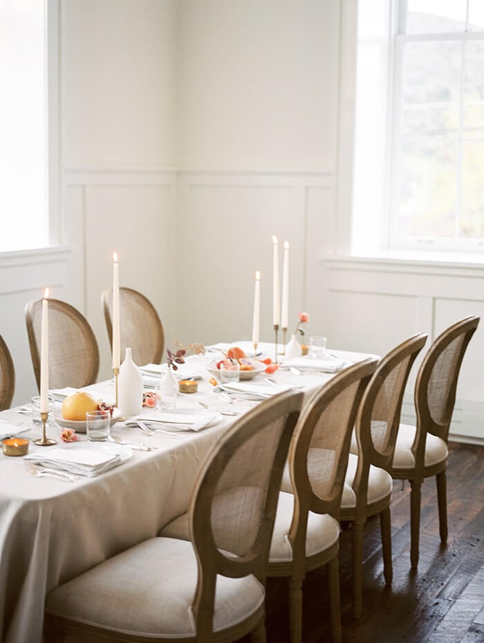 3-simple-wedding-table-setting