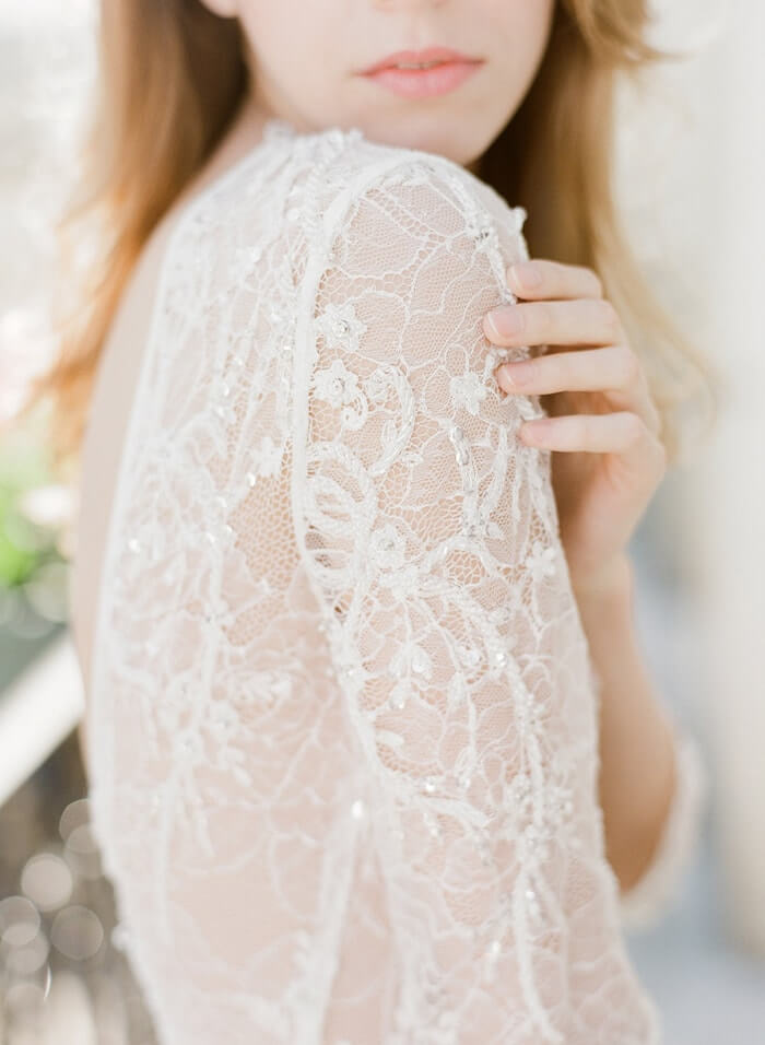 5-delicate-lace-gown-details