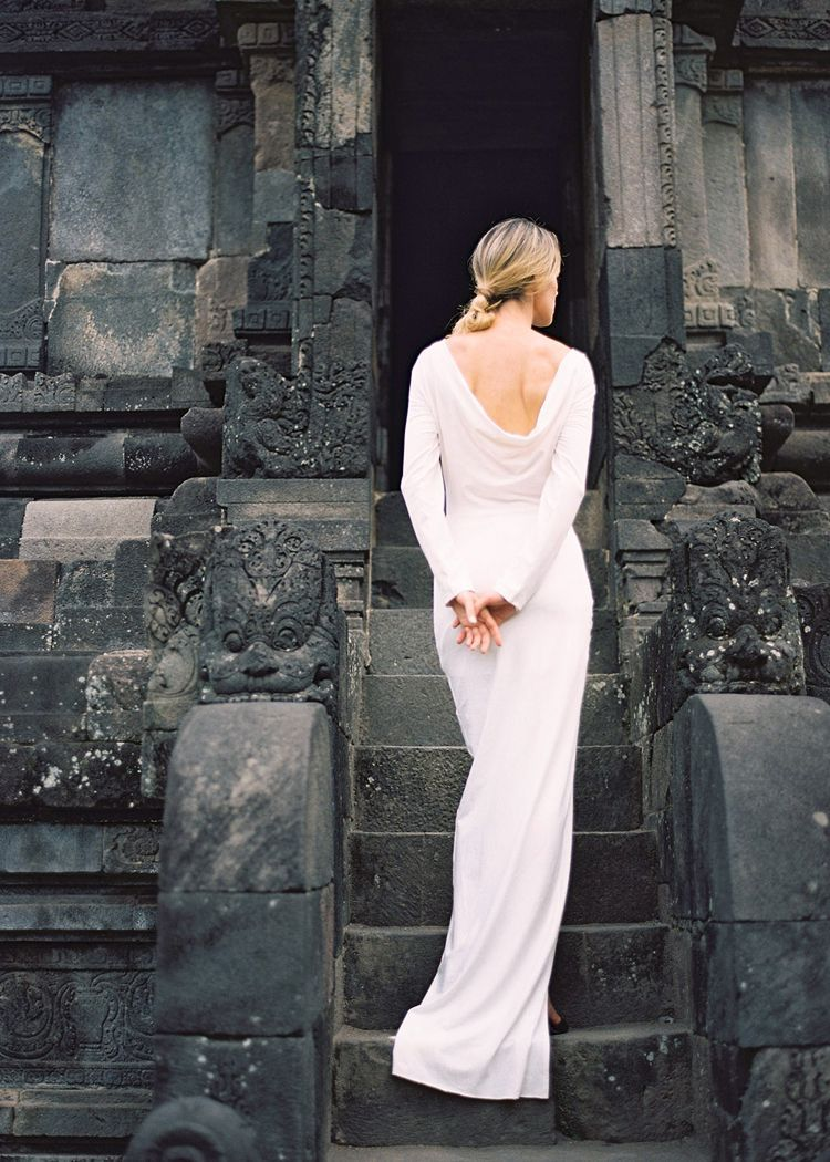 Modern Bridal Fashion in an Exotic Indonesian Setting