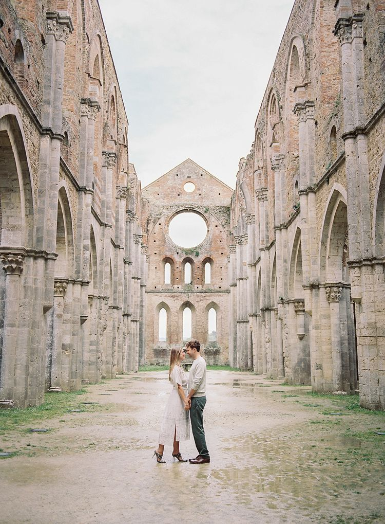 Charming Old-World Engagement Session in Tuscany