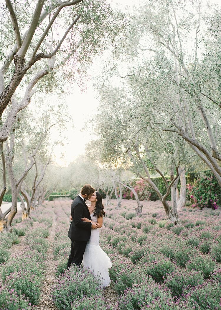 14-lilac-lavender-inspired-outdoor-wedding