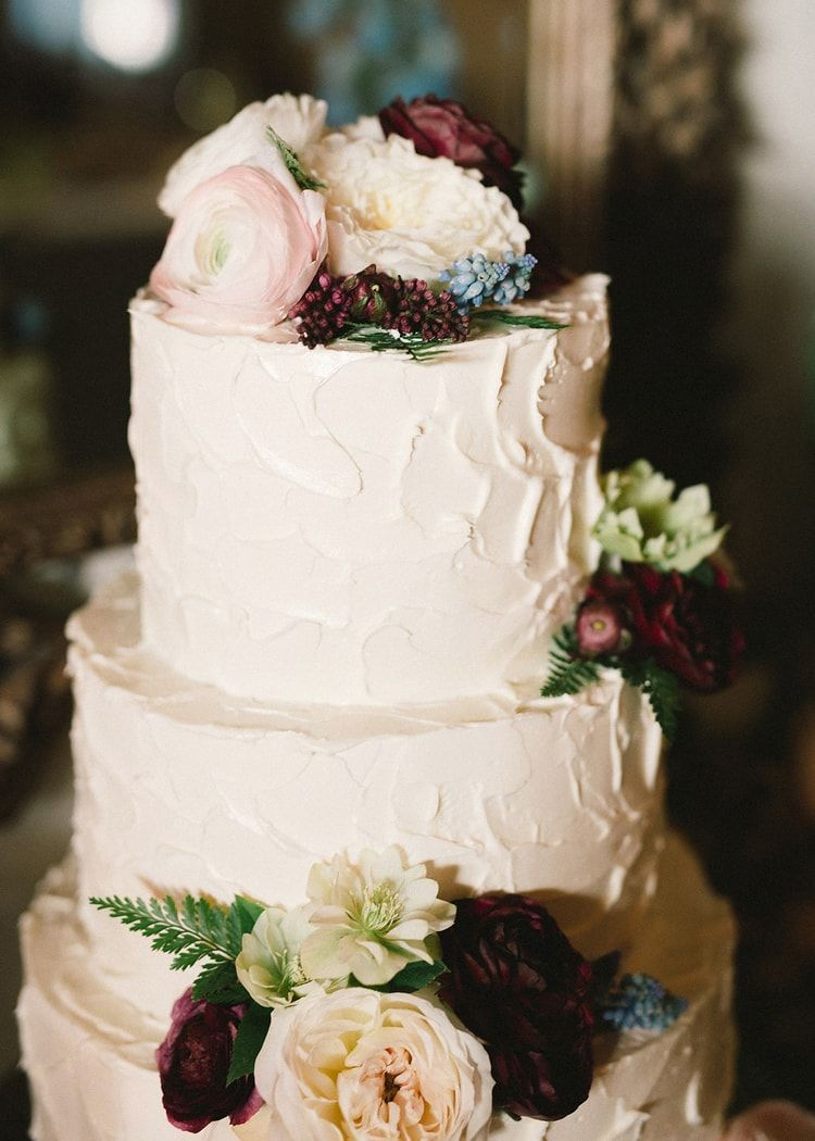 23-simple-white-wedding-cake