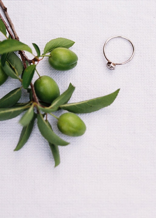 3-simple-minimal-wedding-details