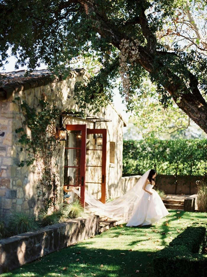 6-warm-outdoor-garden-wedding