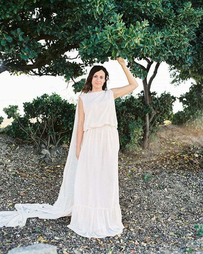 7-simple-white-bridal-gown