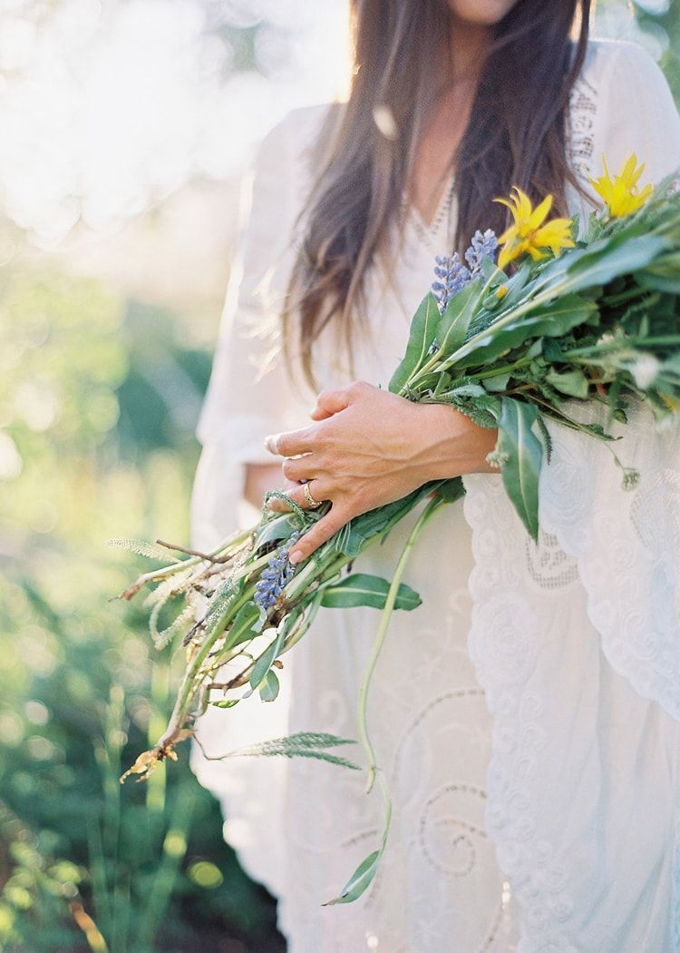 13-forage-natural-bridal-flowers