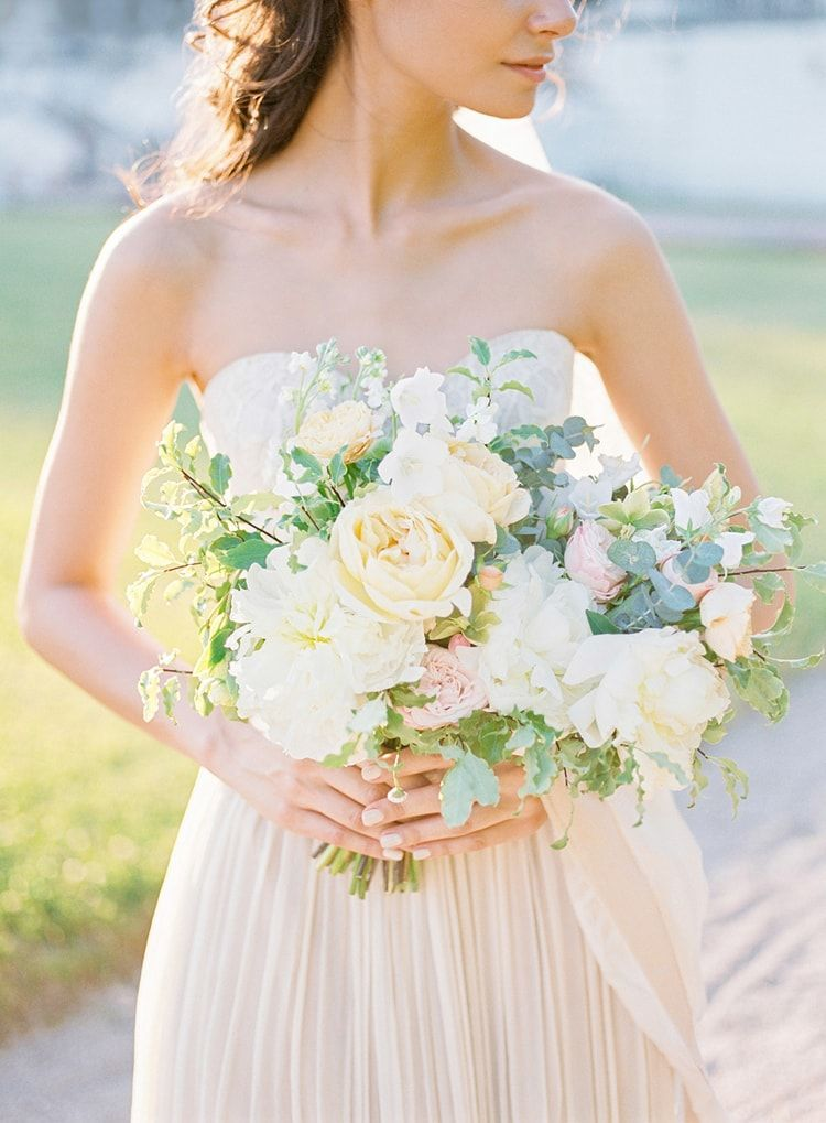3-romantic-pastel-bridal-bouquet