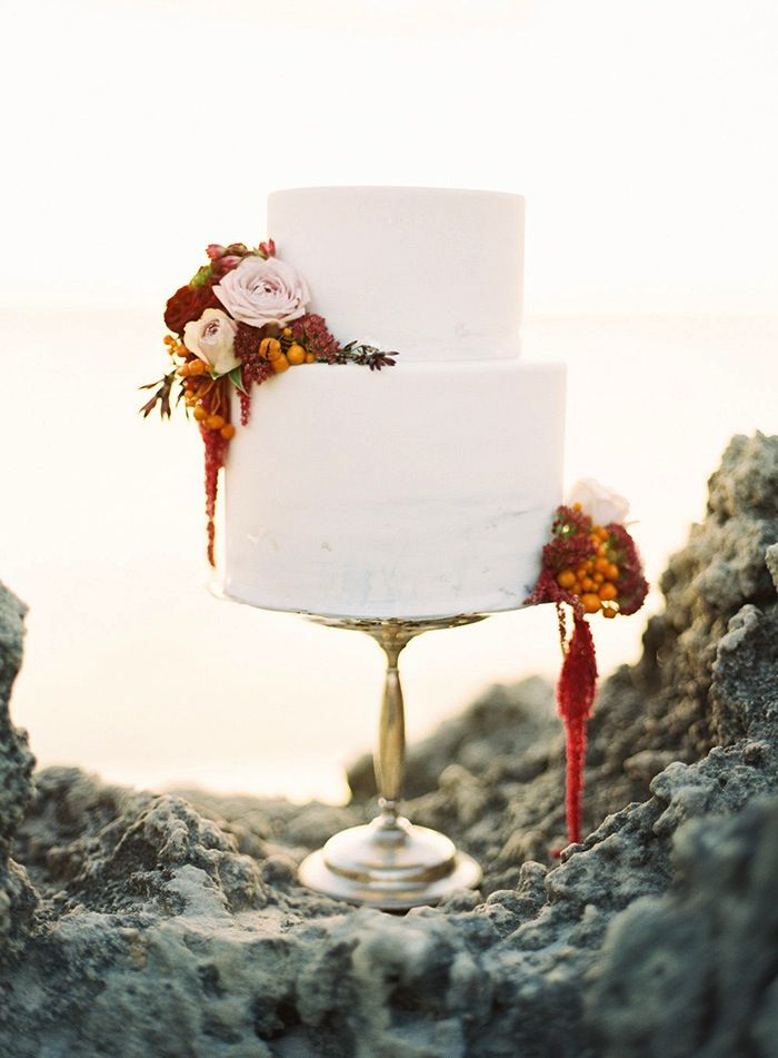 Simple Wedding Cakes That Wow