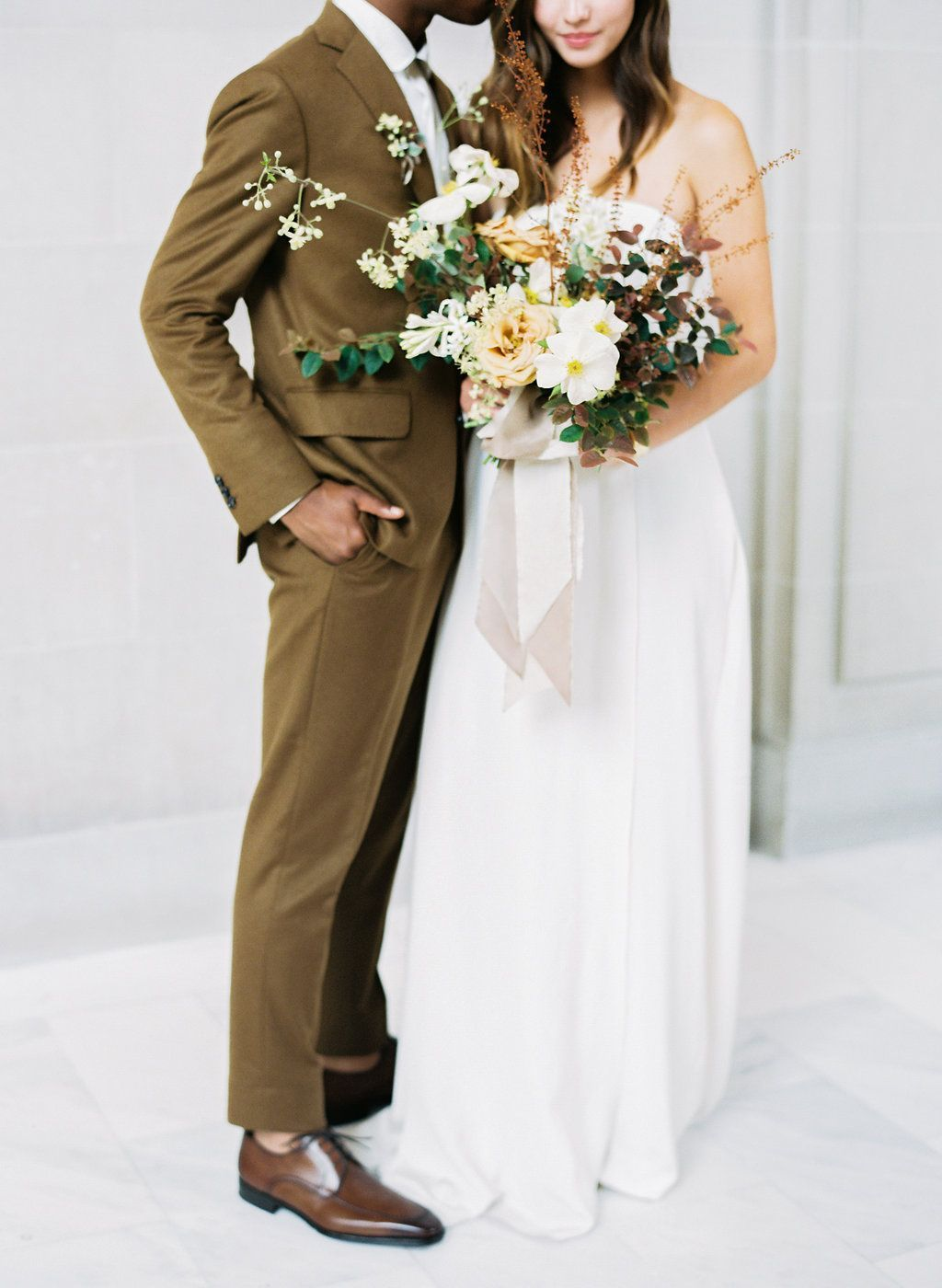 A Modern Fall Wedding with Minimalistic Style