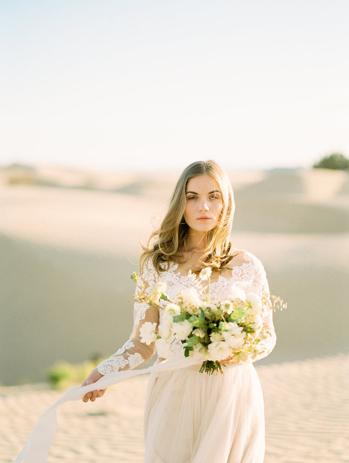 Beautiful Bridal Portraits in the Desert