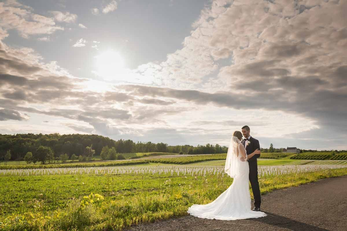 Chapiteau-Le-Vignoble-wedding-Groupe-Madison-Pixelicious-Montreal-Wedding-Photographer-001