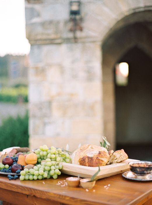 021@OutliveCreative_Destination_Wedding_Tuscan_Castle_Table