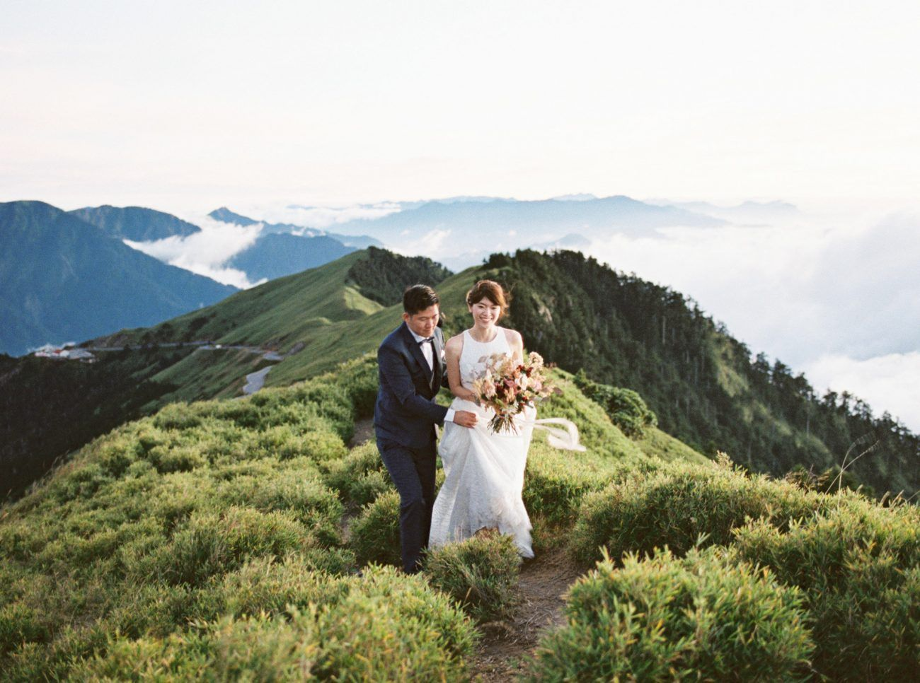A Mountain Top Elopement in Taiwan
