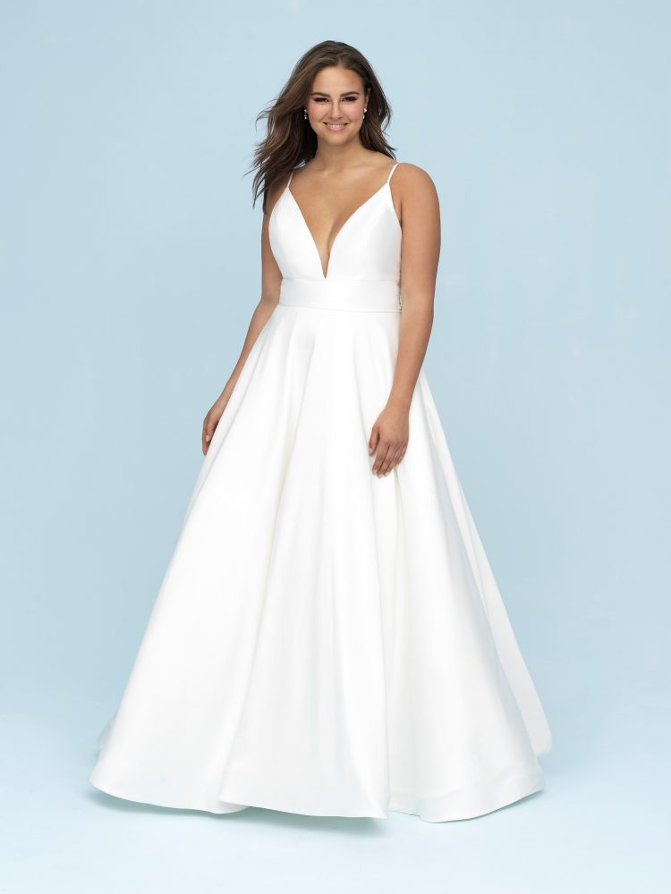 777e1655e60 A plunging neckline exudes confidence and is definitely the focal point of  this A-line gown! (Style 9620)