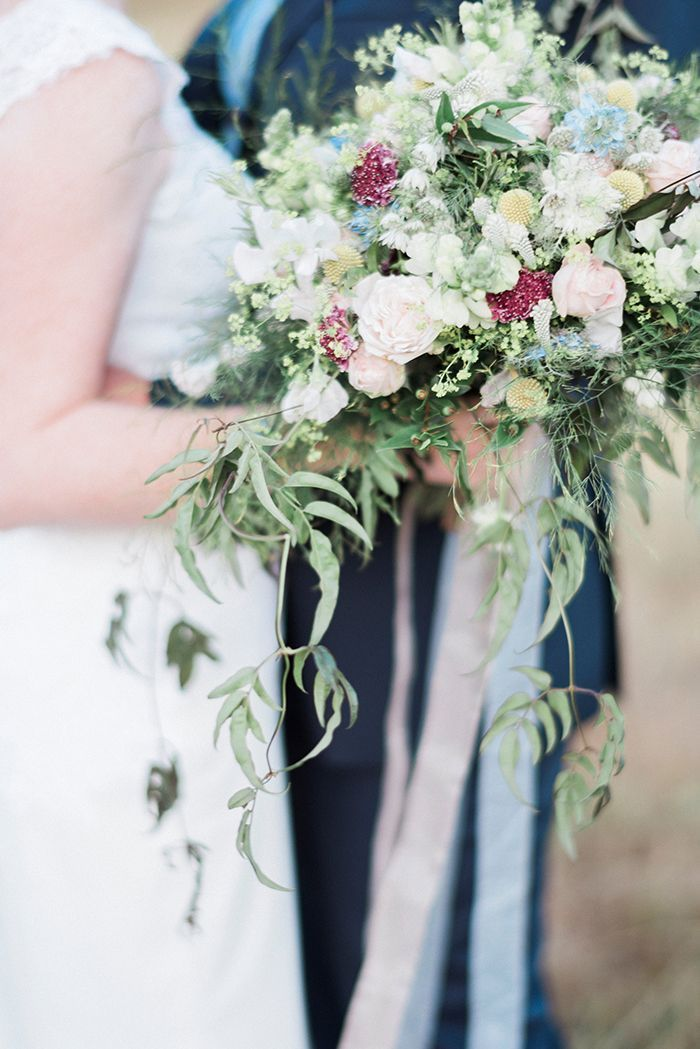 Relaxed and Intimate Wedding in the English Countryside