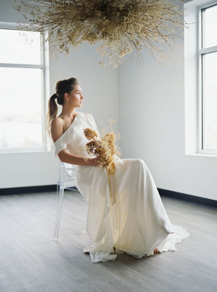 Golden Accents and Rich Texture Create a Modern and Organic Bridal Editorial