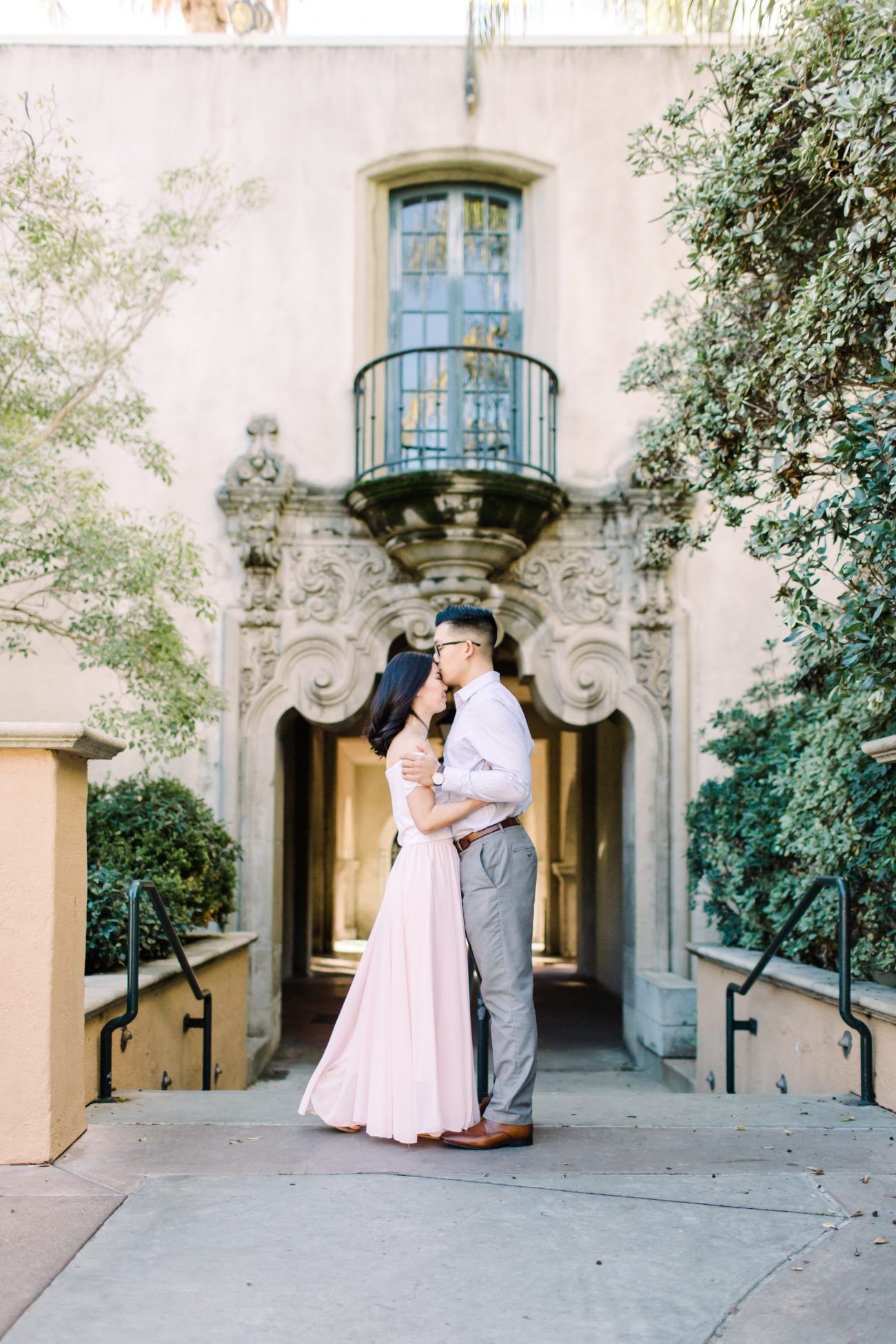 Sunrise Engagement Session at Balboa Park Styled With Fresh, Neutral Colors For an Elegant Look