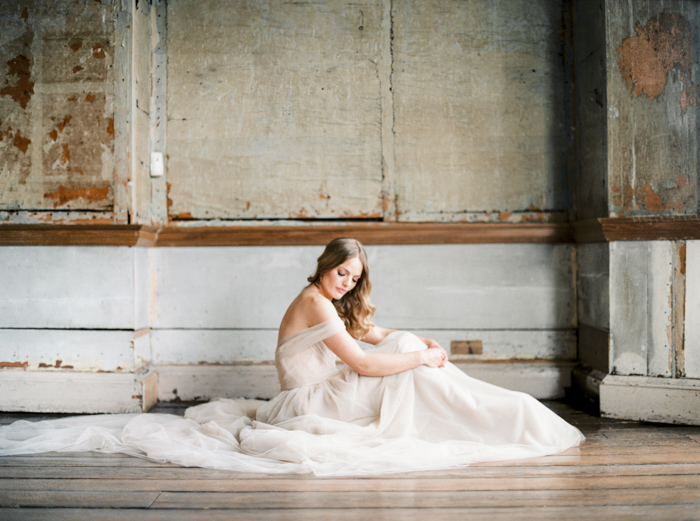 Claire-Brown-Photography-Romantic-Elegant-Bridal-Editorial-15