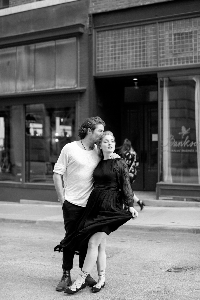 Meghan Savage Downtown Kanasas City Engagement03
