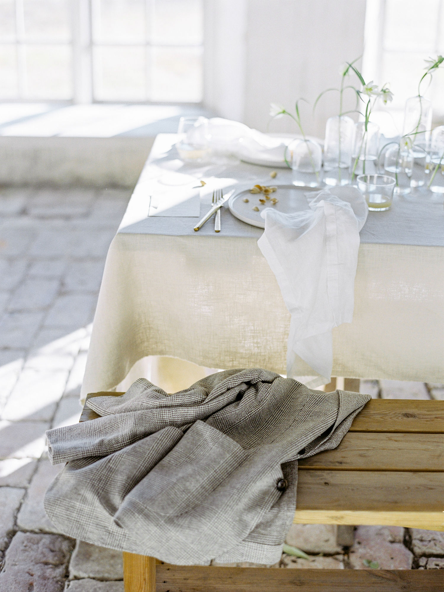 Neutral Minimalism Made This Airy and Light Post-Wedding Sunday Brunch a Contemporary Dream