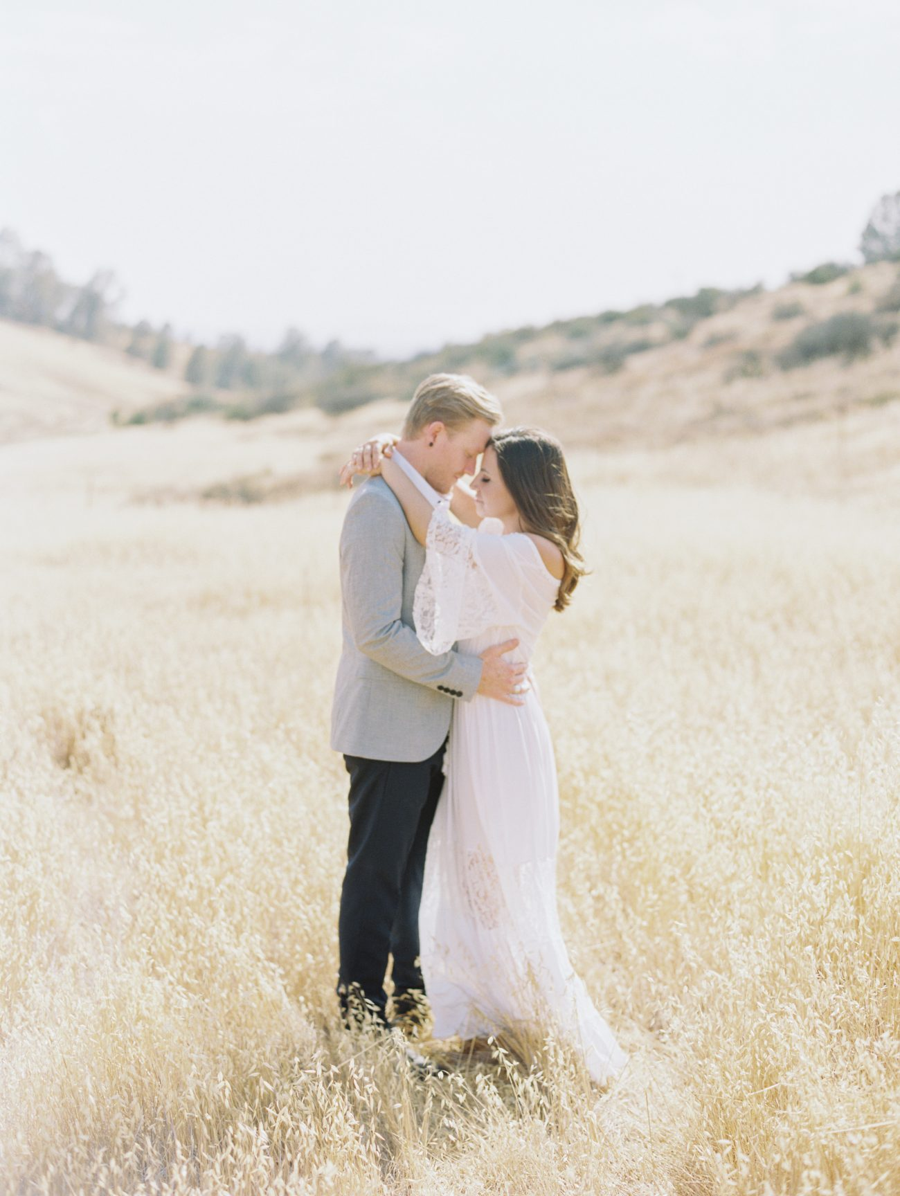 Breath Taking Engagement Photo Shoot on Figueroa Mountain in California