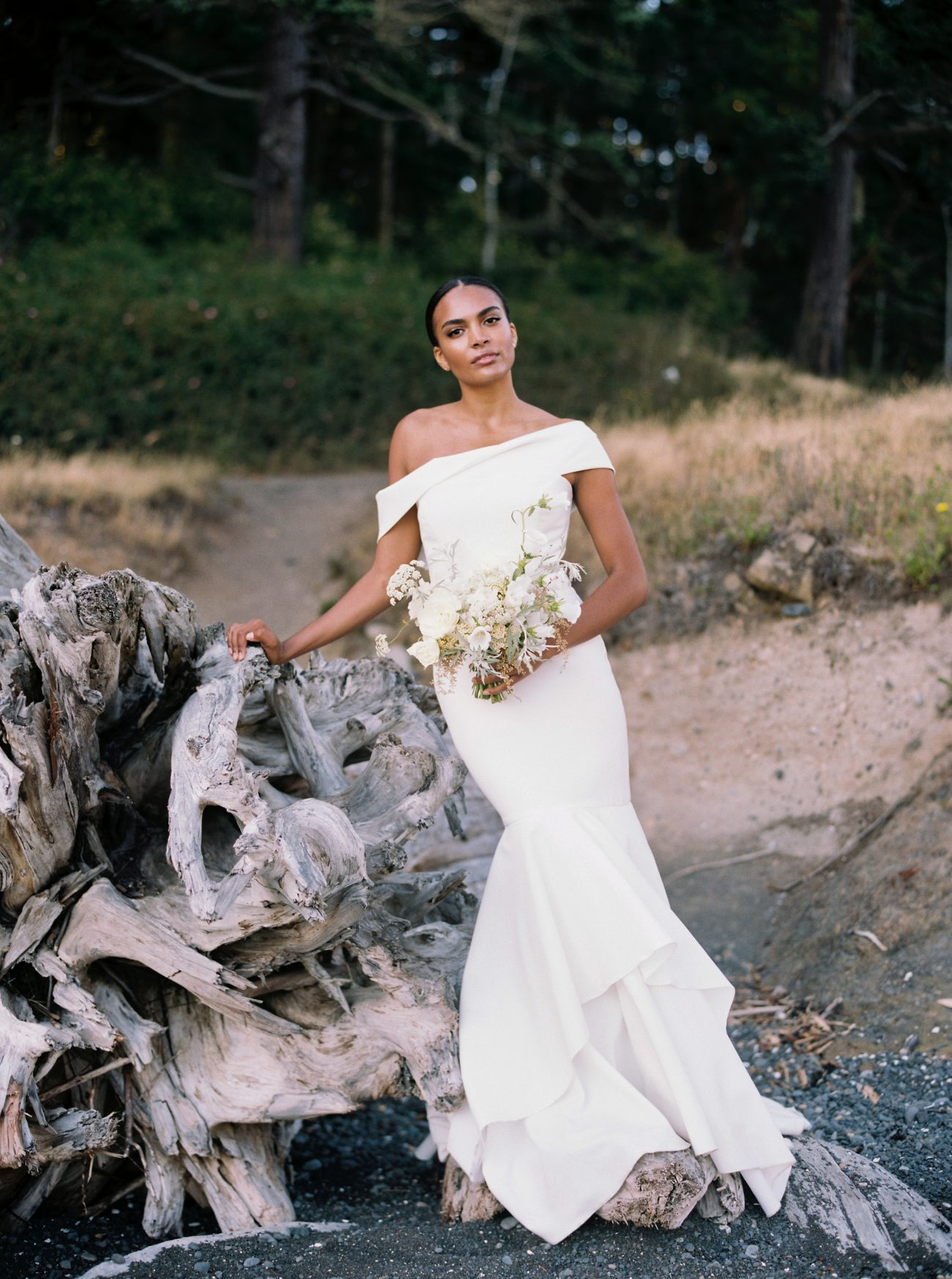Sarah Seven's Prosecco Gown: Timeless Elegance For The Modern Bride