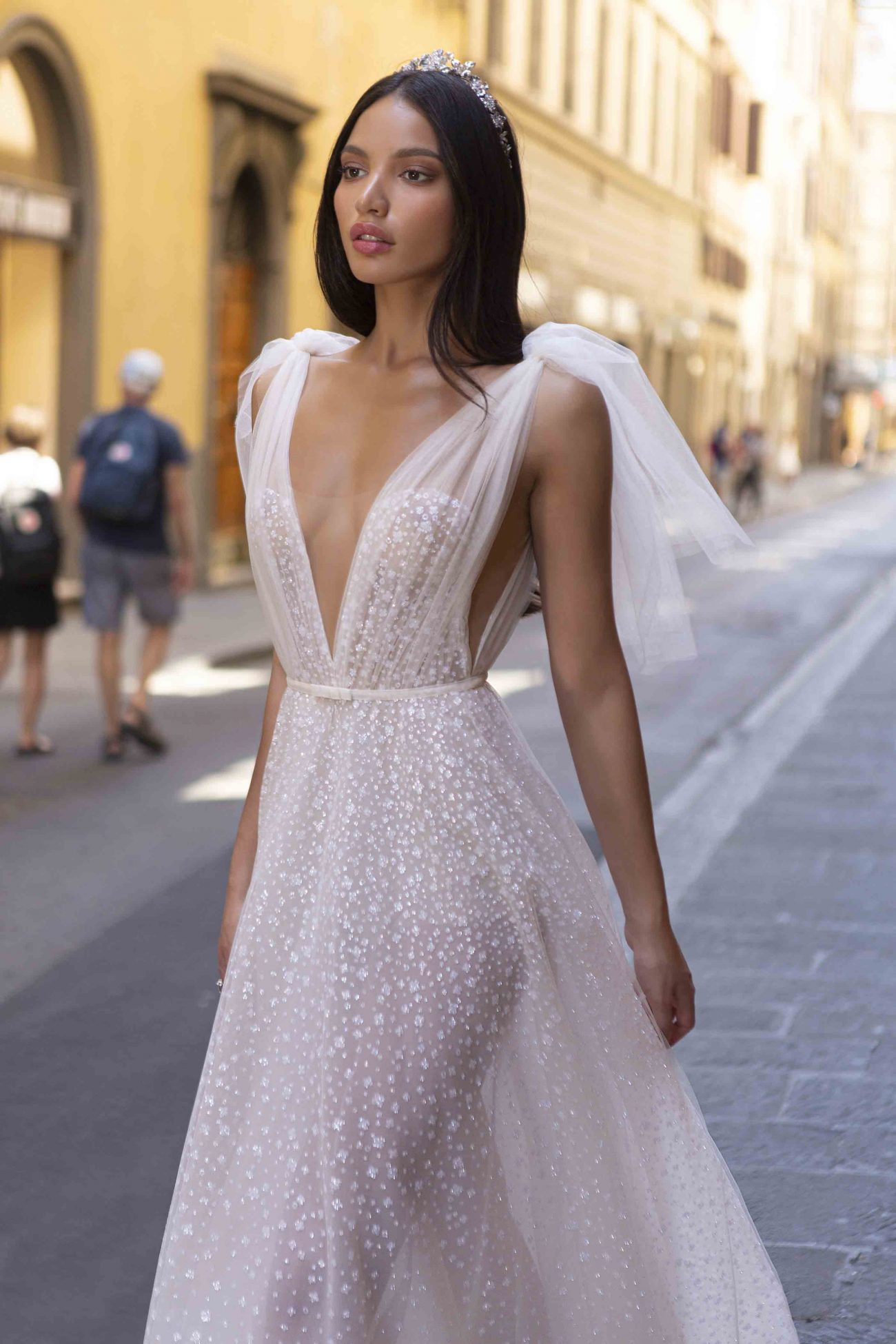 24 Of The Hottest Wedding Dress Styles In 2020 Once Wed,Low Cost Wedding Dresses Online