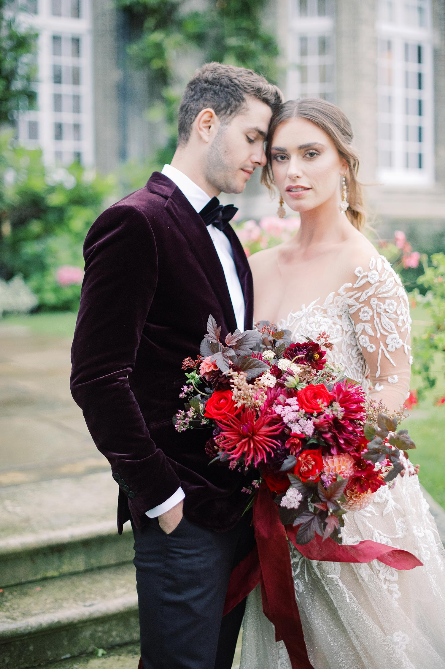 Dazzling Gowns and Exquisite Details Give Inspiration for a Christmas Wedding