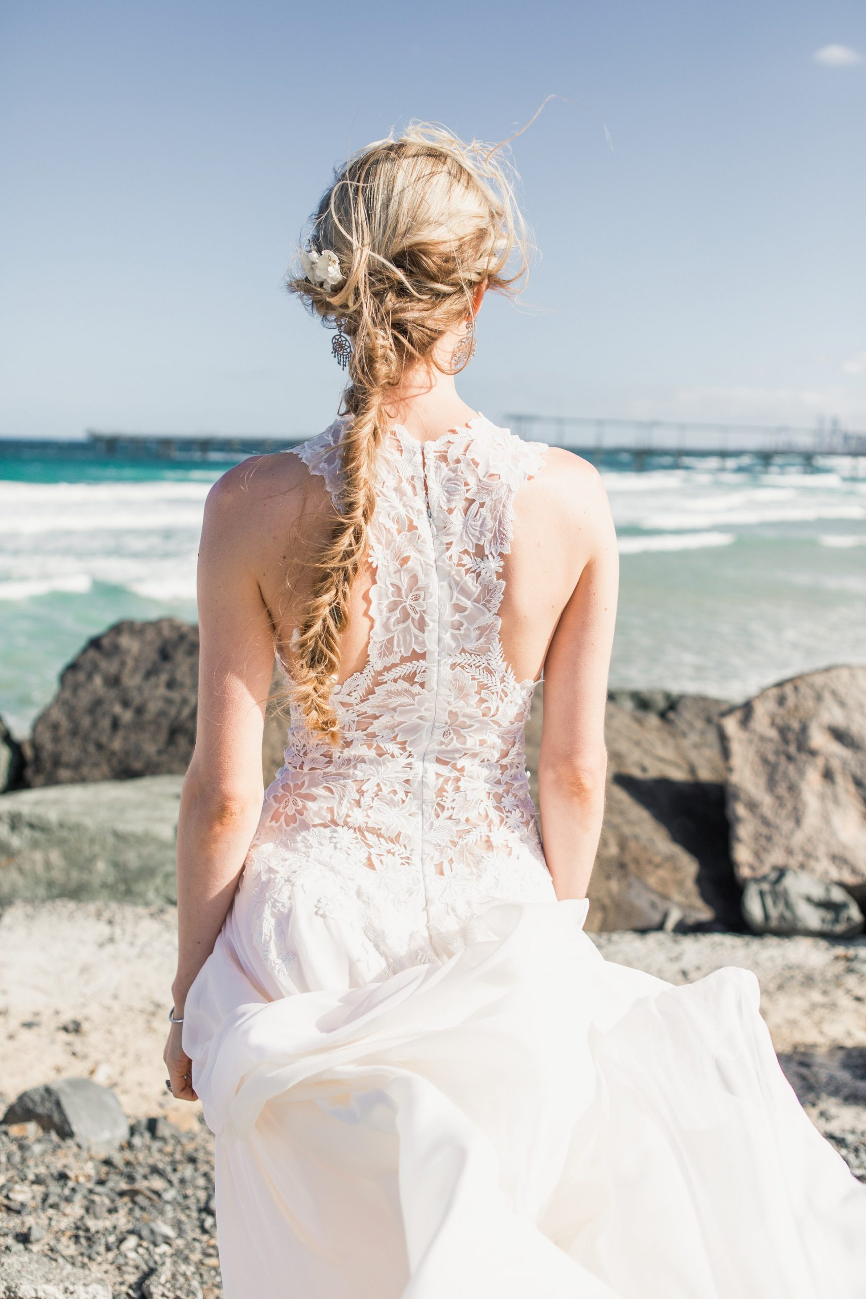 20 Relaxed Wedding Dress Styles We Love