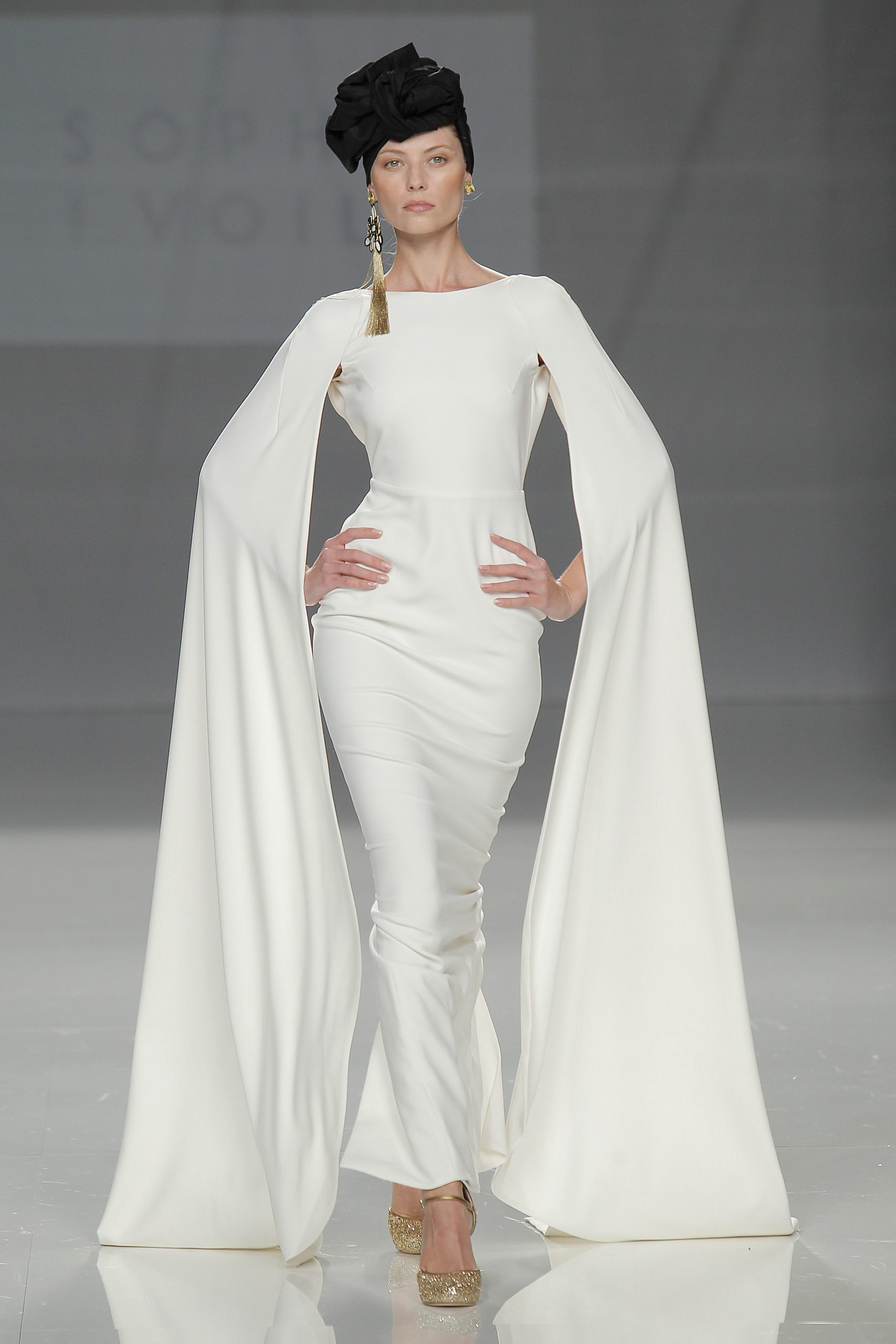 Sophie Et Voila Blanche gown  12 Dramatic Wedding ceremony Robes Value Swooning Over Sophie Et Voila Blanche gown scaled